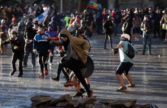 América Latina enfrenta nuevos riesgos económicos y sufre un estancamiento
