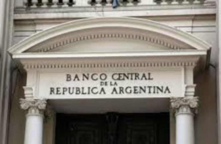 Preocupado por la inflación, el BCRA busca controlar la cantidad de dinero en circulación