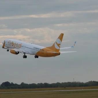 Una aeronave de Flybondi llevó a cabo un aterrizaje de emergencia