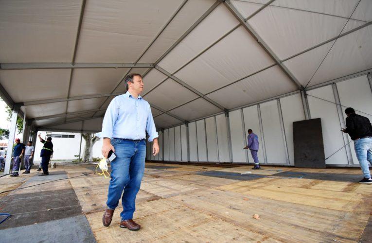 El Municipio instala 3 carpas sanitarias en los Hospitales de Almirante Brown.