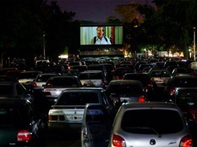 """El autocine de San Isidro brindará función especial de estreno del filme """"Los que vuelven"""