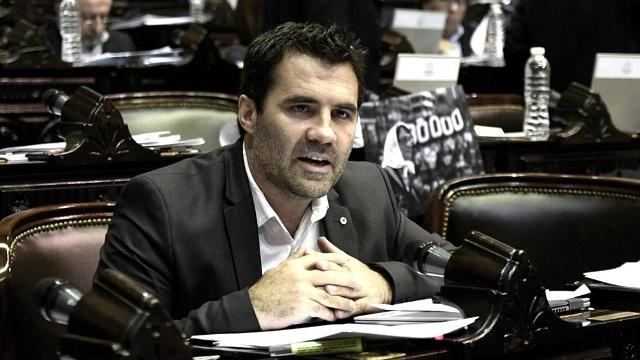 """La recuperación del precio de combustibles """"va a ser muy gradual"""", aseguró Martínez"""
