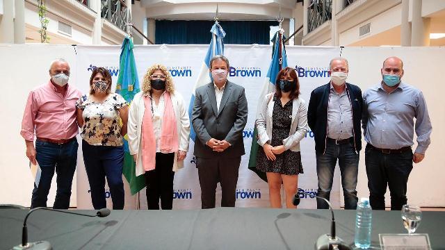 Alte. Brown: Junto a la  Ministra  Ruiz Malec, Bracchi y Plaini, Cascallares puso en marcha el I Congreso de Educación