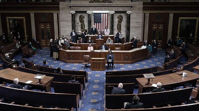 """Demócratas acusarán a Trump de """"incitación a la insurrección"""" en resolución sobre juicio político"""