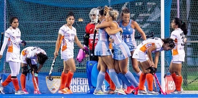 Tercer triunfo de Las Leonas sobre India