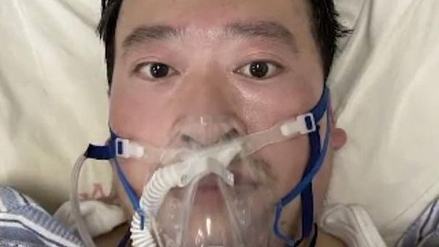 Miles de chinos recuerdan al médico que alertó sobre el coronavirus