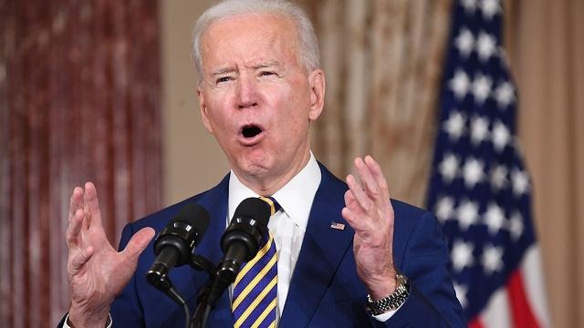 """""""Estamos lejos de ganar la guerra contra el coronavirus"""", advirtió Biden"""
