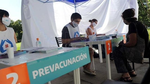 El gobierno bonaerense recibió y analizó 135 denuncias por supuestas irregularidades en la vacunación