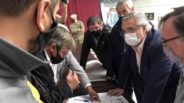 Cinco detenidos por la agresión a la comitiva presidencial en Chubut y siguen los allanamientos